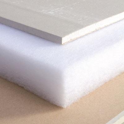 Como é fabricada a lã de poliéster?